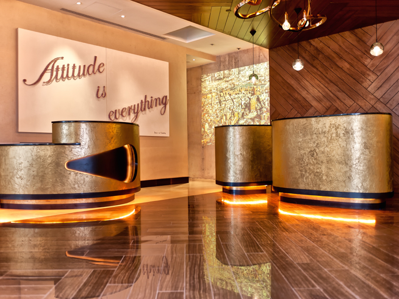 Midas Metall Marriot Rennausance Hotel New York Gold gespachtelt